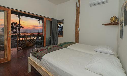 accommodation lakey peak